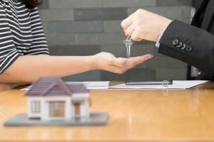 closing handing key